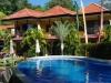 Het zwembad, voor ons terras
