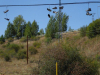 Schoenen hangen aan de elektriciteitsdraden, toch knap om ze zo daar te krijgen