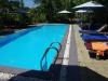 Het zwembad, op nog geen 10 meter van ons terras
