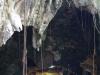 Phnom Dampeau, op de bodem van de grot verstillen we opnieuw