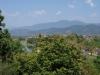 We moeten een flink aantal traptreden op om bij de Tham Chang Cave te komen, maar het uitzicht is prachtig