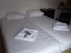 De kleine kamer in de Herberg voor € 93,--, weliswaar inclusief ontbijt