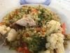 Een bord rijst met groente en kip, totaal 6 Sol (nog geen € 1,50) en het smaakt prima