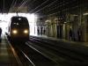 Langzaam rijdt de TGV het station van Bordeaux binnen