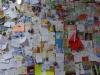 In een café in Rabé de las Calzadas hangen de muren vol met boodschappen van peregrino's
