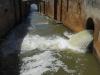 De prachtige vierlingsluis bij Frómista. De deuren zijn verdwenen en vervangen door een betonnen wand. Jammer, want het was een civiel, technisch hoogstandje