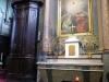 De kerk van Roquefort, we steken een kaarsje aan