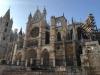 De kathedraal van Léon, we stappen over onze principes heen en betalen de entree van € 12,- om naar binnen te mogen