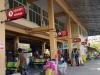 De busreis van Chiang Rai naar Chiang Mai duurt inclusief stop ruim 3½ uur