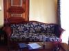 Een grote, mooie, klassiek ingerichte kamer met grote badkamer en terras