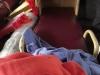 Drie rijen, boven, onder, kussentje, dekentje, schoenen uit en alleen liggen, gemaakt voor Vietnameesjes
