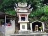 Tempel Vé Tham Quan Diên Huê Nam, pas op voor de hond