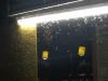 Als de avond valt en de lichten aangaan, komen ook de motjes