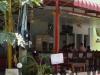 Eethuisje, restaurant, bar, reisoperator, fietsverhuur, wasservice, massge, shop, alles onder één dak