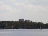 Kralingse Plas, op het water, bij gebrek aan wind, een paar dobberende zeilboten
