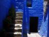Toegang tot één van de kamers van de nonnen; onder de trap het toilet