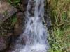 Onderweg zien we nog een watervalletje