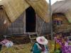 De huisjes op de drijvende eilanden, inclusief zonnepaneel