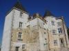 Le Châtenet-en-Dognon; een schitterend pand, maar ook leeg; we dromen een beetje weg wat we er me zouden kunnen doen