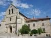 De kerk van Saint-Martin-le-Vieux, het is 35 graden en we kunnen de gîte niet vinden