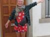 Als we buitenkomen zit de Deense, die we in Logroño voor het eerst ontmoetten, een beetje brak voor zich uit te staren; zij is gisteren na haar aankomt flink doorgezakt
