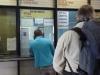 We kopen kaartjes voor de bus naar Bilbao