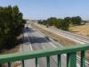 We steken de grote weg over naar Burgos en gaan bij de vm militaire basis de fout in