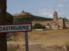 Castrojeriz, via de kerk van Nuestra Señora del Manzano lopen we het dorp in