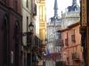Léon, gezellige straatjes komen uit op pleinen met overal terrassen