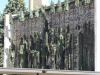 Maria en haar 12 apostelen in brons