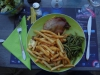 Een typische pelgrimsmaaltijd, eend, patat, bonen en sla, vet en veel