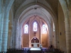 De kerk van Horsarrieu, met mooi glas-in-lood