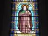 De kerk is niet bijzonder maar heeft wel mooi glas-in-lood