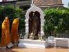 Nieuwe monniken zijn gearriveerd, ze moeten alleen nog uitgepakt worden