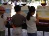 Kinderen tekenen de oude tempel