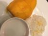 Sticky Rice with Mango, we zien het al weken op de menukaart staan en vanavond bestellen we het ook, het is heerlijk