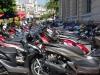 Onze gids in Hué vertelde al dat er meer scooters in Vietnam zijn dan mensen