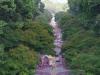Vanaf het Independence Palace kijk je op de fraai versierde Nguyen Trung Truc